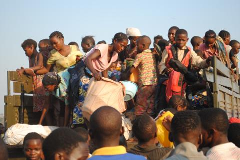 Refugees from RDC arrive in truck in Dundo camp, Lunda Norte province, in May 2017