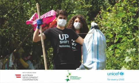 Gyumriver team, who participated in UPSHIFT Armenia's 1st phase, are cleaning the river in Gyumri from plastic.