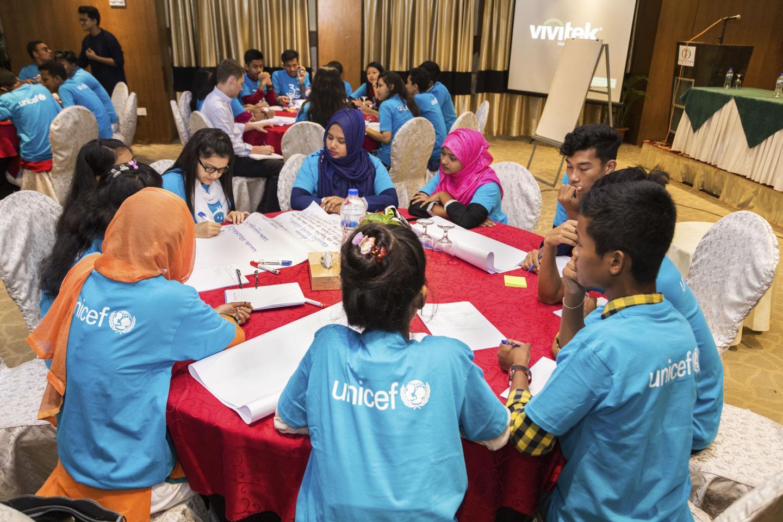 Children champion minority rights at CRC30 forum | UNICEF Bangladesh