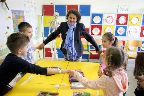 Afshan Khan in visit to Dzemaludin Causevic Primary school in Sarajevo, Bosnia and Herzegovina