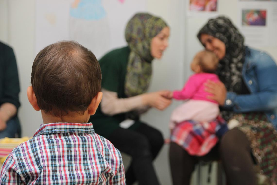 """U UNICEF-ovom """"Kutku za mame i bebe"""" u prihvatnom centru Ušivak"""