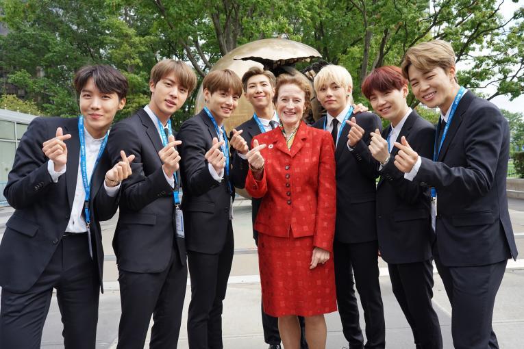 BTS e UNICEF pedem aos jovens que espalhem gentileza no Dia ...