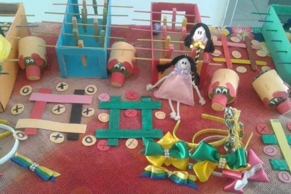 foto de diversos brinquedos educativos