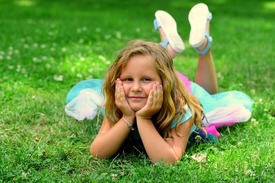 Ема, която расте уверена и владееща жестомимичният език от дете