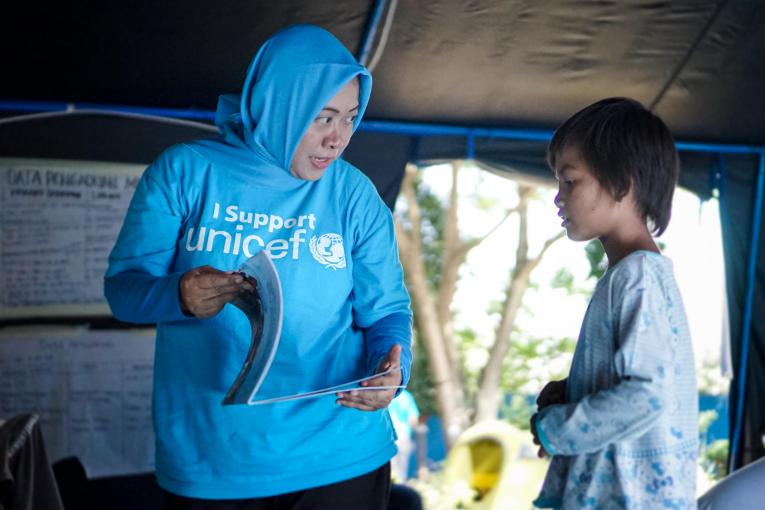 After her traumatic experience, Diah played and received psychosocial support at the Child Protection Space which was established and managed by UNICEF together with the Ministry of Social Affairs.