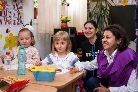 Afshan Khan, the UNICEF Regional Director for Europe and Central Asia meeting children from kindergarten in Bacau County, Romania.