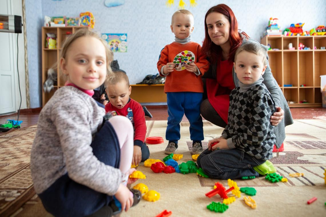 In 2015, 38-year-old Kateryna quit her maternity leave in order to start working at Novotoshkivske school, after the conflict forced most of the teachers to leave.