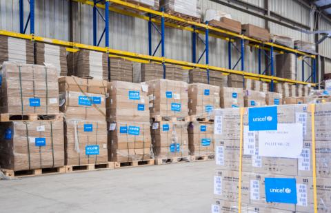 In coordination with the American Chamber of Commerce (AmCham) Foundation, UNICEF has procured and delivered 950,000 units of Personal Protective Equipment (PPE); as well as 25 respiratory ventilators to the Ministry of Health and Population (MoHP).
