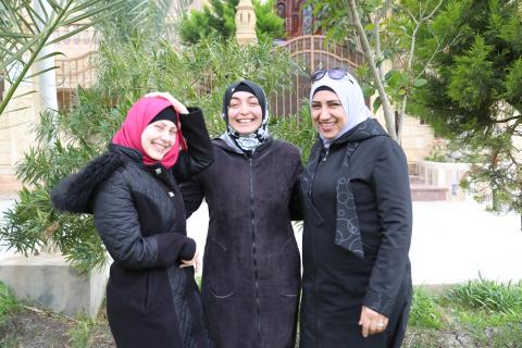 How 3 Syrian ladies who benefitted from UNICEF support became social workers and started serving their communities.