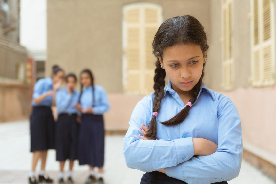What are the warning signs of bullying