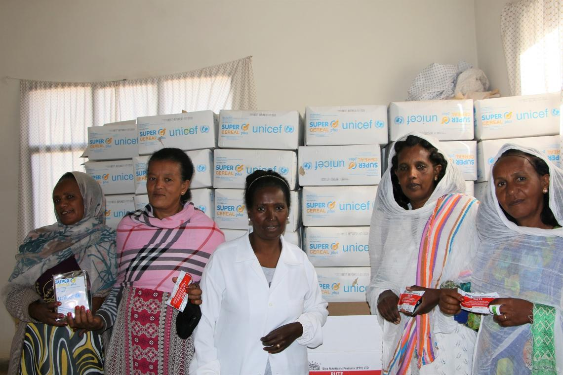 A nurse at the Villago Community Hospital with community health workers