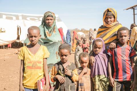 Habibo Daro, her sister in law, Fatima Tahir, and their children at Berak IDP camp ©