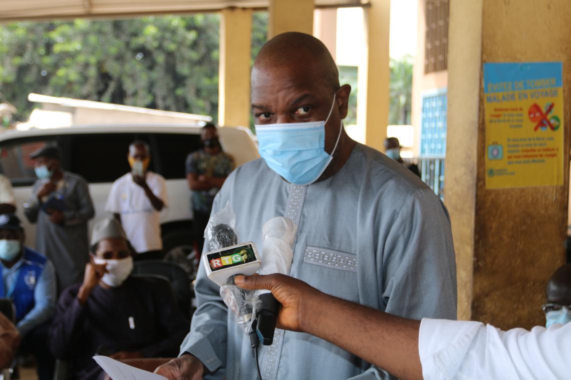 Pr Georges Alfred Ki-zerbo, le Représentant de l'OMS en Guinée intervenant au nom des 3 Représentants Résidents des 3 agences du système des Nations unies impliqués dans ce projet