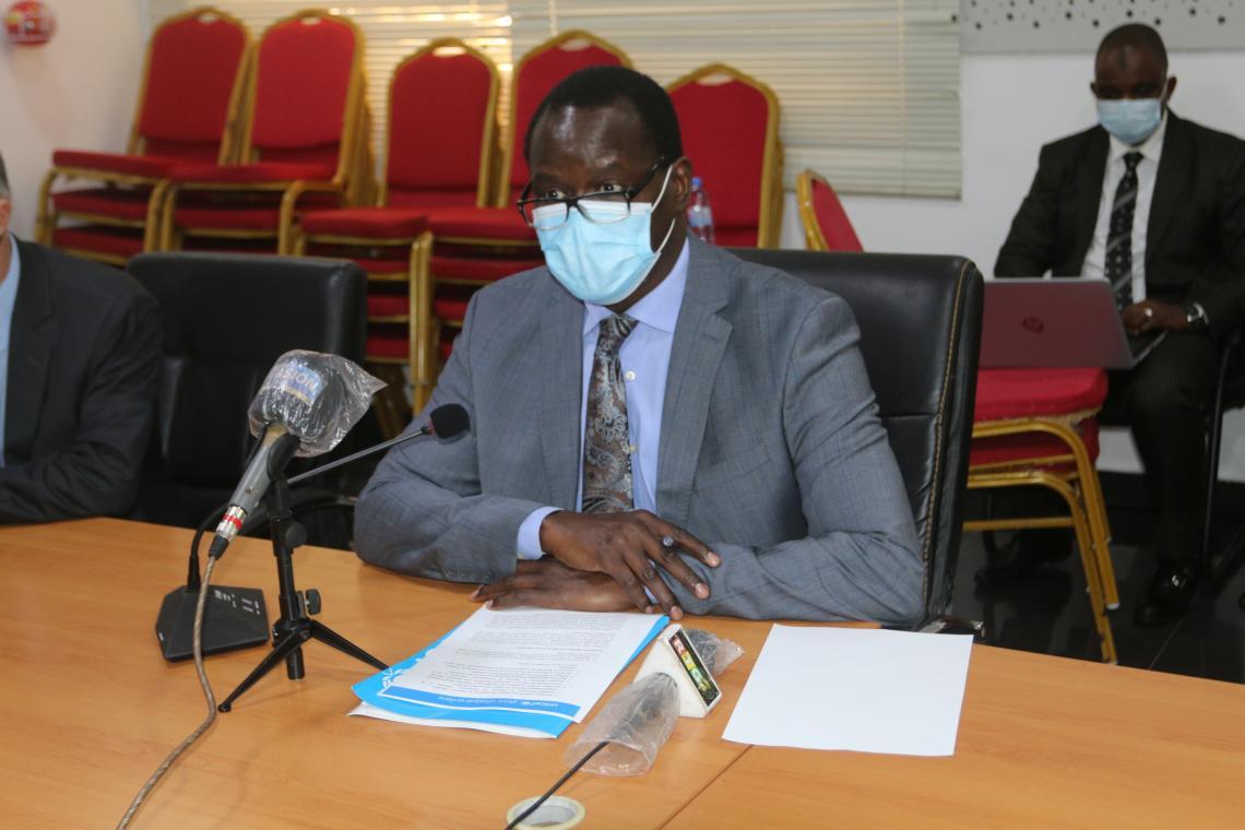 Dr Pierre Ngom, Représentant Résident de l'UNICEF livrant son discours à l'occasion de la signature de la convention avec le gouvernement guinéen