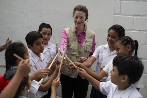 UNICEF Executive Director Henrietta H. Fore meets with students at the Roberto Suazo Córdoba School