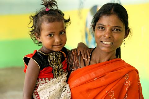 Portrait of Ayisha Sanjan Pawar 5 – year old with Mother Reshma Sanjan Pawar.
