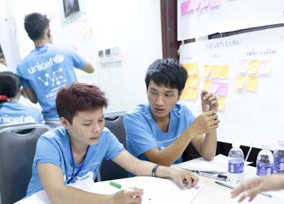 From left to right: Huynh Tri Vien and Nguyen Hoang Phuc (members of the team which working on the LGBT issue) UPSHIFT Workshop.