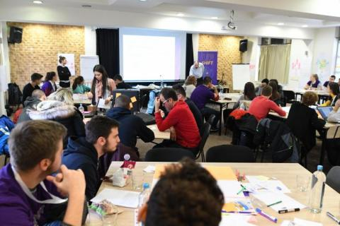 "At a three-day ""design thinking"" hackathon, 10 teams from Skopje, Tetovo, Struga, Vinica, Valandovo, Kocani and Veles worked with passion to elaborate their design solutions to reduce air pollution"
