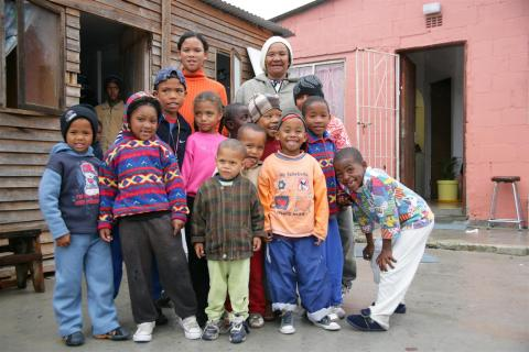 Together with other members of her community, Rose founded and chairs the Sinethemba Hope Organization, a neighbourhood group that helps support children who have been abused, neglected, abandoned or orphaned by AIDS.