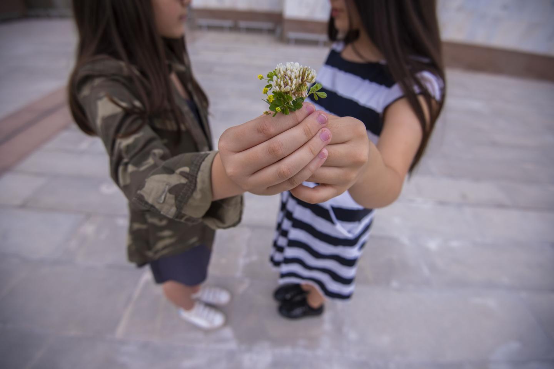 Lutas de crianças deixadas para trás pela migração na época do COVID -19