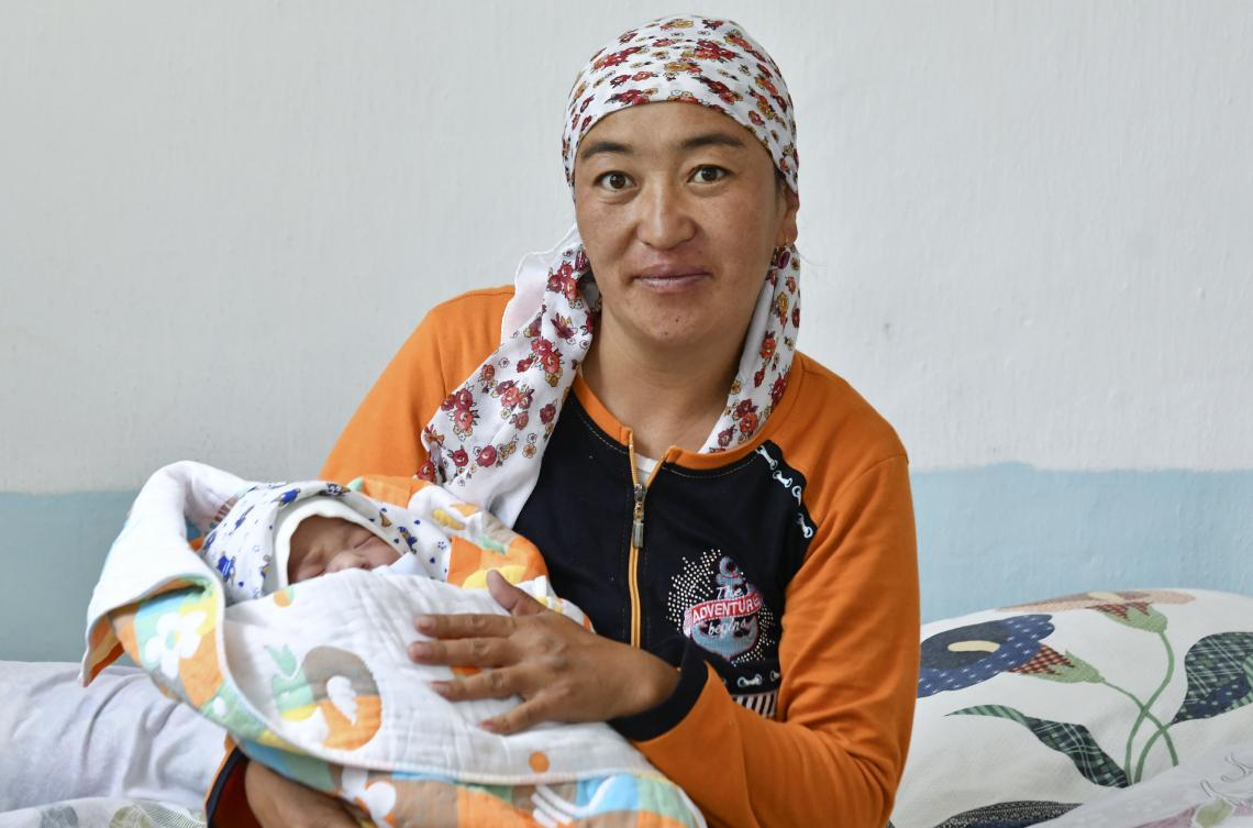 newborn with his mother Jiydegul