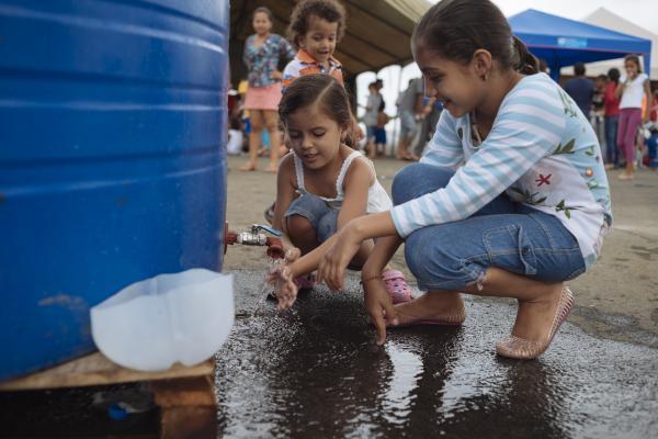 Desigualdades en materia de saneamiento y agua potable en América Latina y  el Caribe | UNICEF