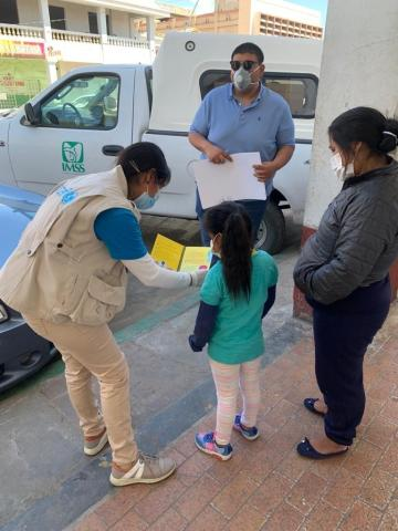 UNICEF Mexico´s team in Tijuana is delivering hygiene kits and printed materials on how to prevent COVID-19 in shelters for migrant families from Central America and Mexico.