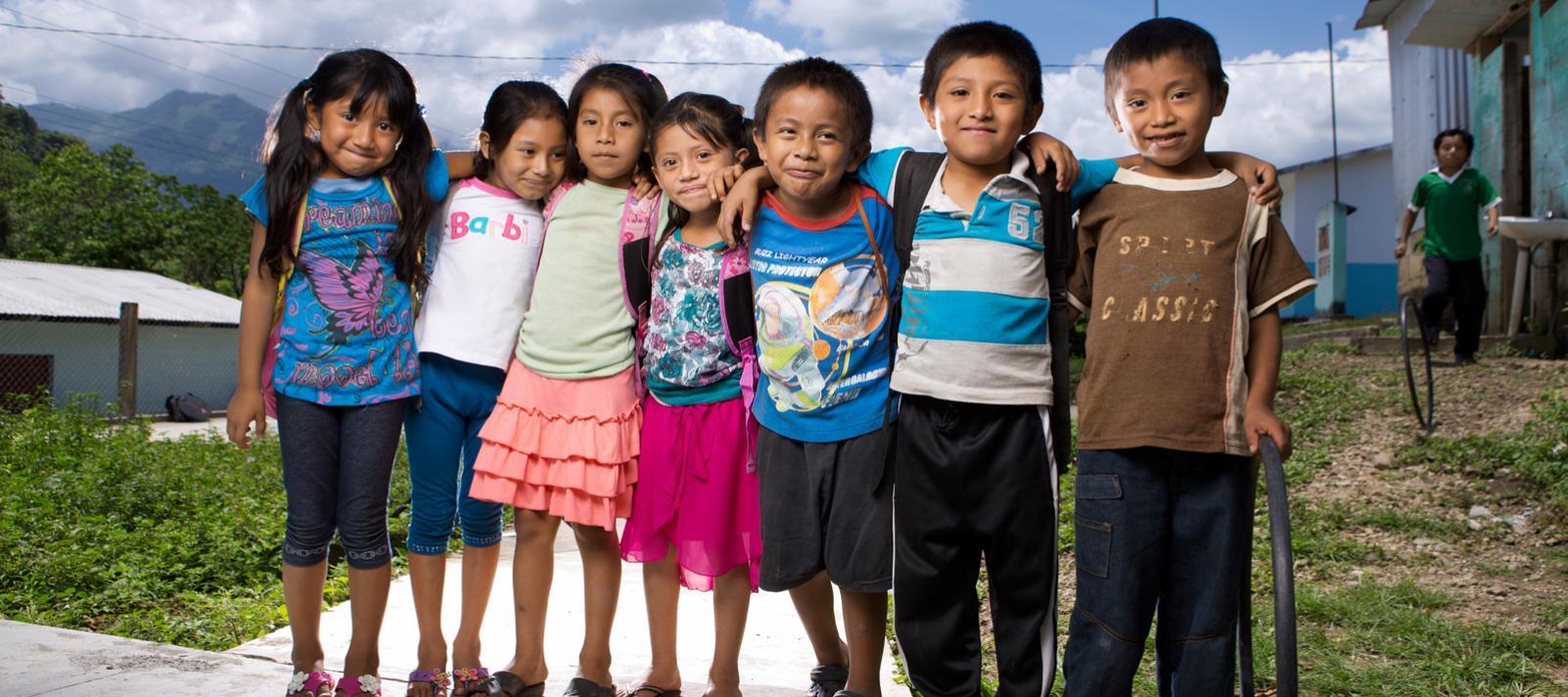 Niños y niñas en América Latina y el Caribe   UNICEF América