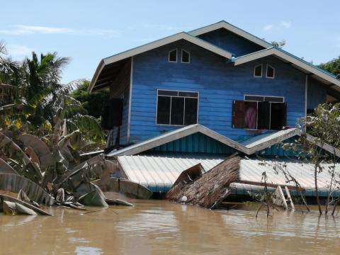 The Australian Government provided AUD 250,000 (about 1.5 billion kip) to support the Government of Lao PDR assist those affected by the recent floods in Attapeu, Champasak, Khammouan, Saravane, Savannakhet and Sekong provinces.