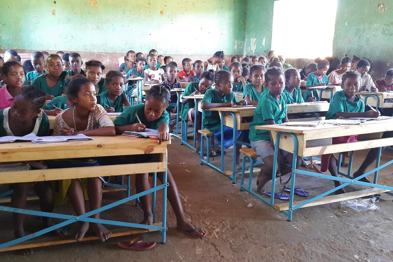 A Ambalatsiefa, Helibondro retrouve les bancs de l'école   UNICEF Madagascar