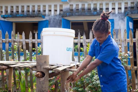 Clara, 10, student of Tanambao Bitavola primary school (Analanjirofo region) washing her hands.
