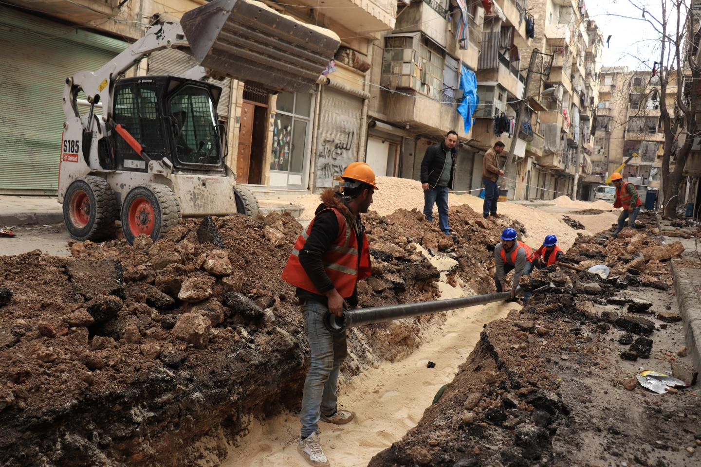 Children have improved access to safe drinking water in Aleppo thanks to UNICEF
