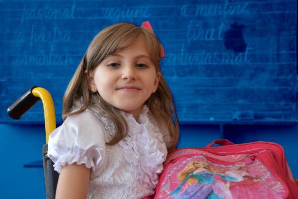 Девушка модель работы с детьми овз в школе модельная школа москва цены