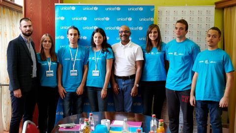 UNICEF Representative to Montenegro with UNICEF volunteers