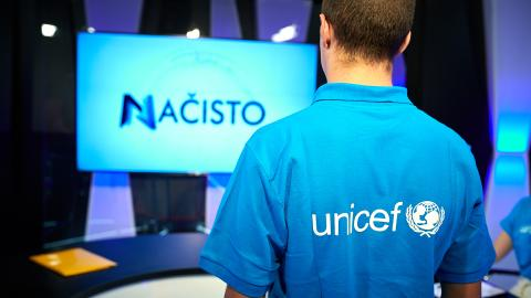 UNICEF volunteers - young reporters take over talk show Načisto