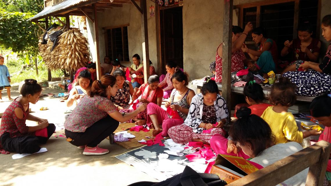 Teaching to make sanitary napkins