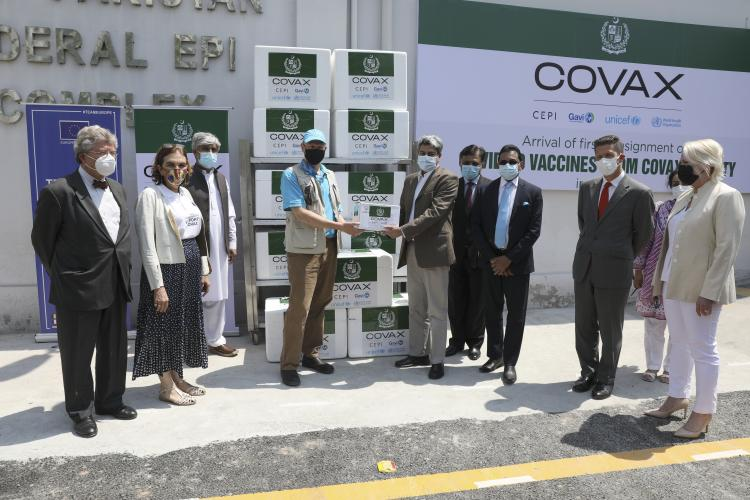 Pakistan receives first consignment of COVID-19 vaccines via COVAX facility