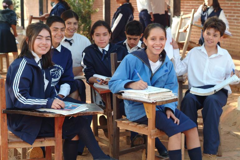 Resultado de imagen para niños y adolescentes paraguay