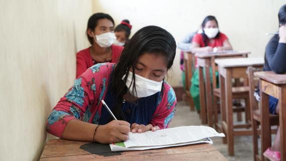 Iruth, una lección de compromiso en tiempos de COVID-19 | UNICEF