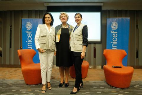 From left to right, UNICEF Philippines National Goodwill Ambassador Daphne Paez, UNICEF Philippines Representative Lotta Sylwander, and UNICEF Philippines National Goodwill Ambassador Anne Curtis