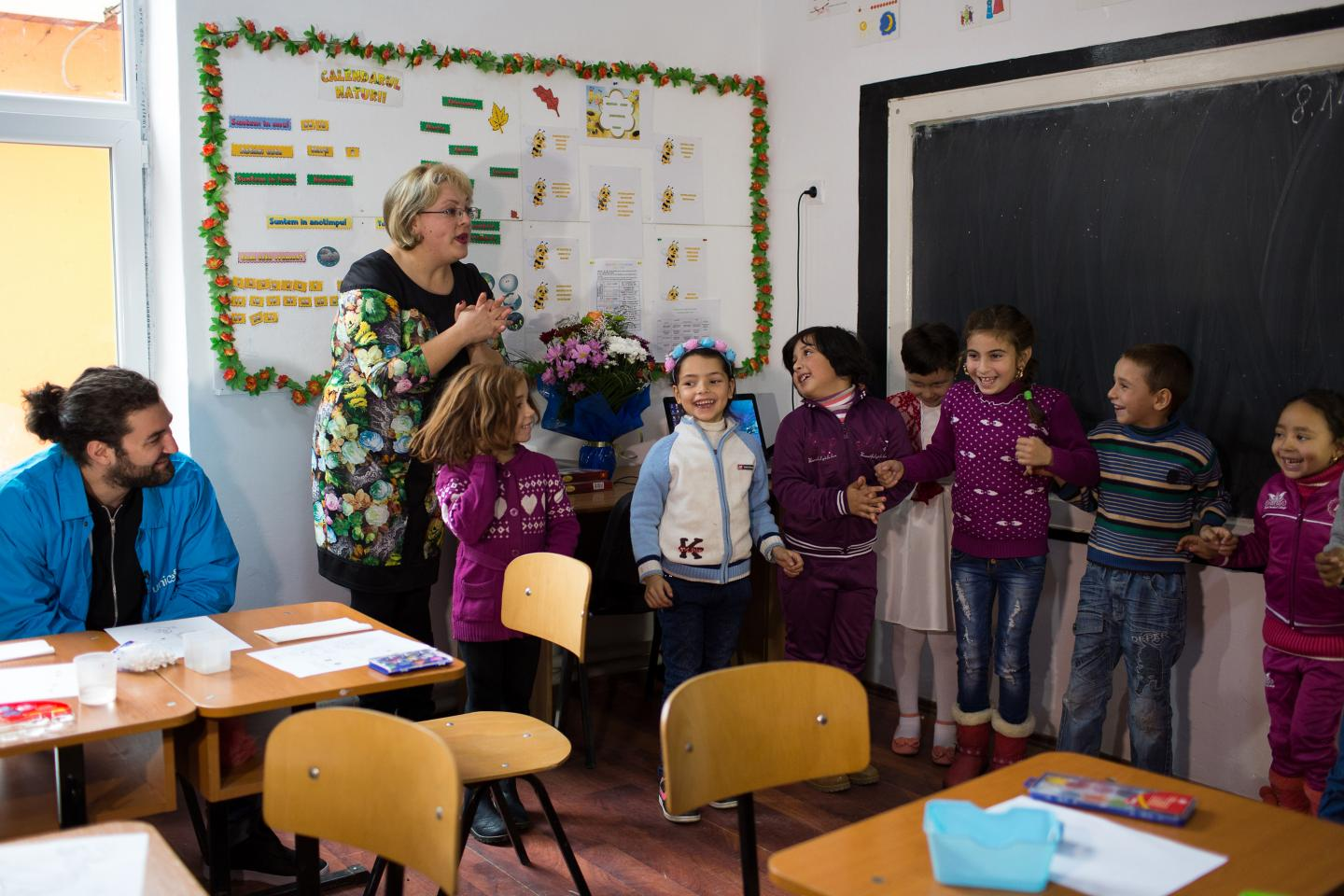 Smiley, National Ambassador for UNICEF in Romania, visiting the Orbic community where UNICEF implements Quality Inclusive Education Package