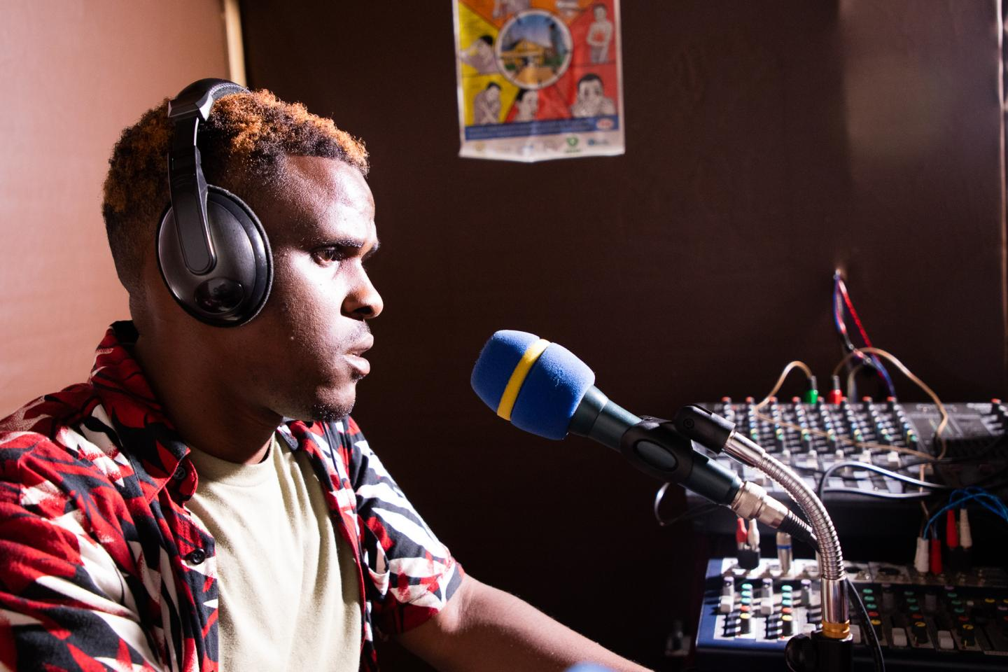 Advice on the Airwaves | UNICEF Rwanda