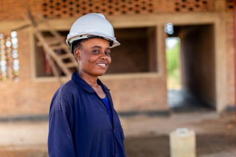 Donatha Umutoni, one of Rwanda's female civil engineer, is leading construction of a new early childhood development centre. She believes women have a lot to contribute to the development of their country.
