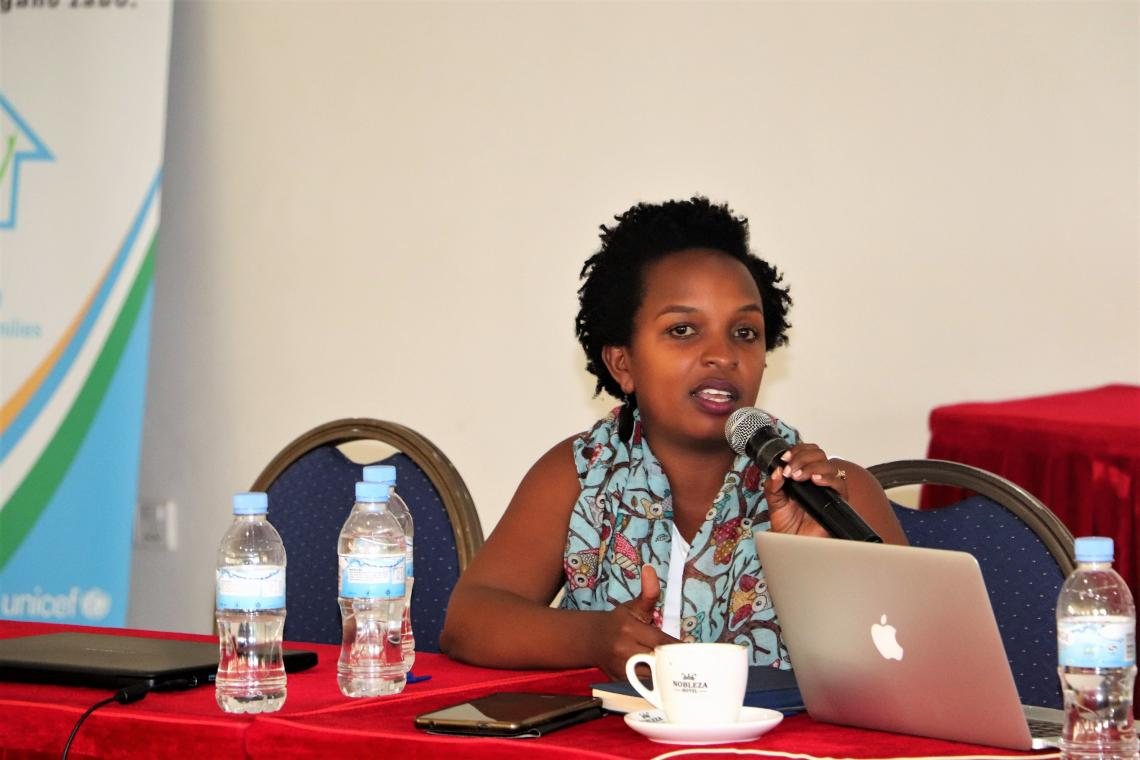 Florence Umutesi presents Kariza's case at a conference for Rwandan social workers and partners.