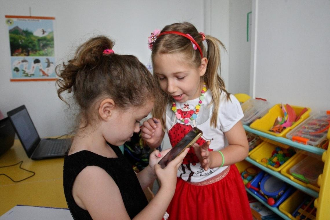 Many preschool-aged children already know how to use a mobile phone.