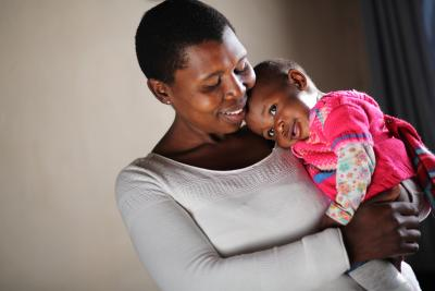 Queen Ndlovu and her daugther Neo live in Chiawelo, a township in the outskirts of Johannesburg, South Africa.
