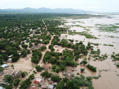 On 14 March 2019 in Malawi, aerial pictures taken by the drone task force (international organizations such as UNICEF and RedCross as well as the governmental counterparts) captured the flooded areas around Marka, located right on the Malawi – Mozambique border. The images show that weak, temporary structures have been affected the most and some of the submerged as a result of the extensive flooding and heavy rainfall.