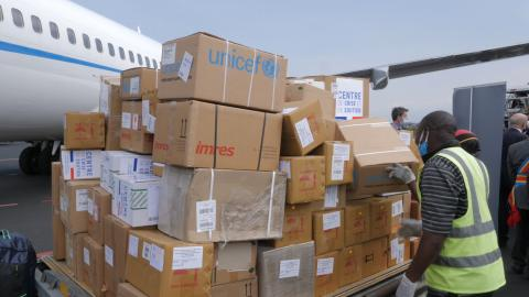 A UNICEF shipment of 3.7 cubic metres of vital health supplies lands in Goma, the Democratic Republic of the Congo (DRC) on a flight organised by the European Union (EU) to transport vital humanitarian supplies and other supplies to support the COVID-19 response. An additional flight carrying 183 cubic metres of supplies will land in Kinshasa, on 19 June 2020