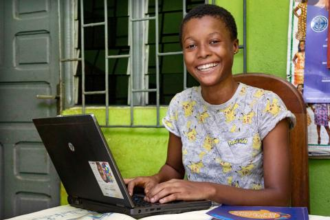 16 year old follows women's leadership training from her home in Yopougon, a suburban of Abidjan, a city south of Côte d'Ivoire.