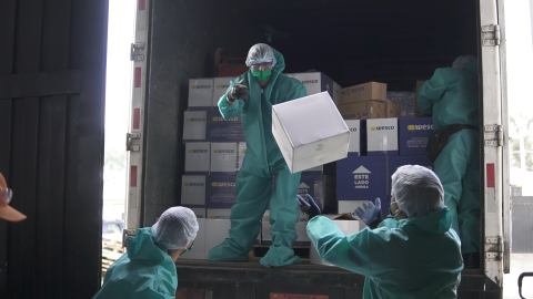 Liquide and gel alcohol supplies are delivered to the Ministry of Economic and Social Inclusion (MIES) to serve the children and adolescents benefiting from the foster care service in Quito, Ecuador.